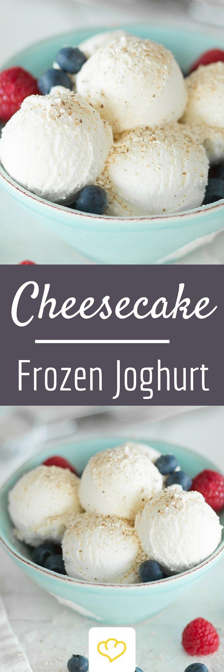 Die doppelte Cheesecake-Power – als knuspriges Topping und als feine Frischkäse-Note.. Dieser Frozen Joghurt vereint den amerikanischen und den deutschen Klassiker in einer Köstlichkeit. So cremig wie Cheesecake, so lecker wie Käsekuchen und on top – knusprige Butterkekse. Zum Nachmachen gut!