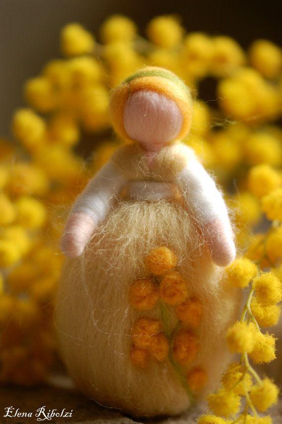 Mimosa in lana fiaba ispirazione Waldorf di LeBambinediCaldalana