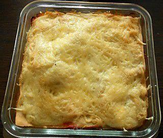 La meilleure recette de Lasagne au légumes racines et tofu soyeux! L'essayer, c'est l'adopter! 4.0/5 (1 vote), 0 Commentaires. Ingrédients: Pâtes : 100 gr de farine 1 oeuf  garniture : 200 gr de légumes racines cuisinés (panais, carottes jaune, violette,orange, rutabaga, navet ...) 150 gr de tofu soyeux 2 cs de tomates pelées concassées en boite herbes de Provence gruyère râpé sel et poivre