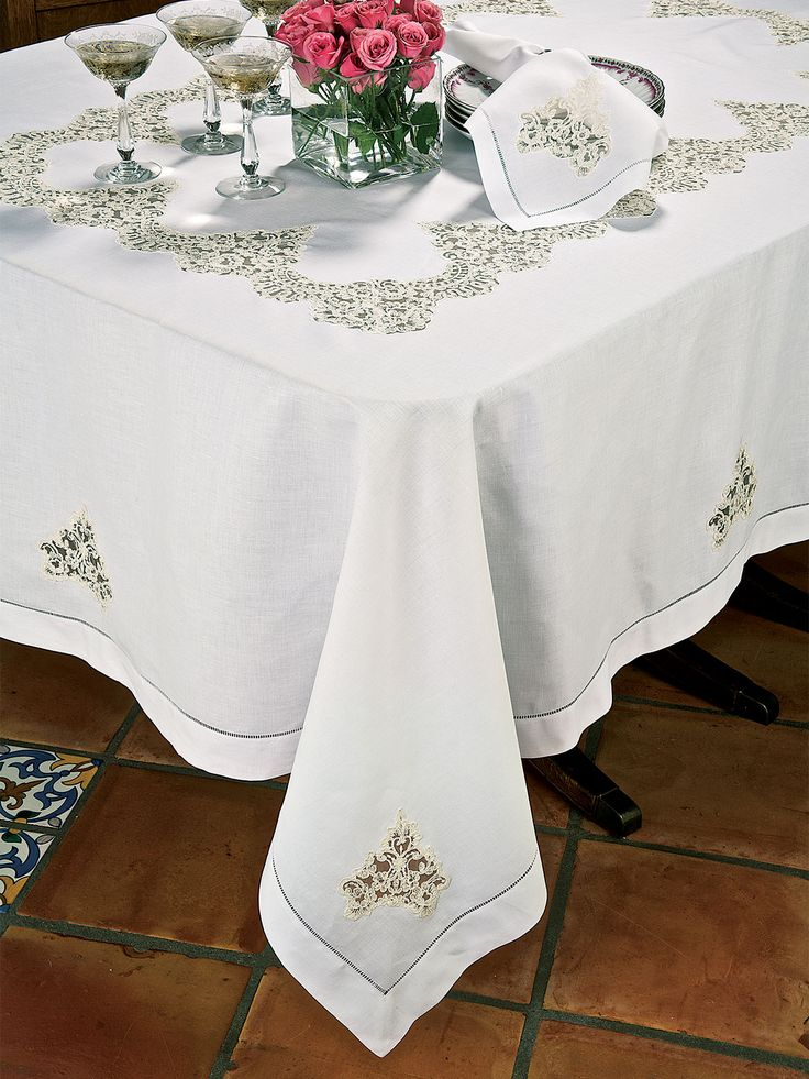 Beautiful This Magnificent Pure Linen Tablecloth Woven In Italy Carves Out A Niche  For Itself With Artful Inserts Of Loveliest Alençon Lace On Tulle.