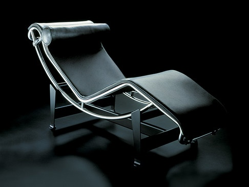 Cassina LC4 Chaise Longue: Lounger, Design
