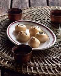 Tea-infused sticky sesame dumplings