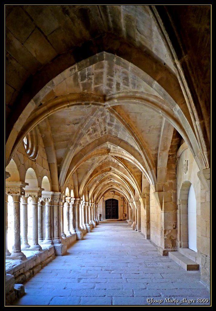 Vallbona - Claustre - Nau llevant - Segle XIII - Romànic Catalonia