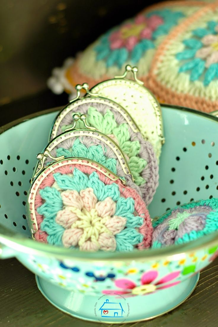 now this reminds me of something my aunt would make. she was crafty like that :)