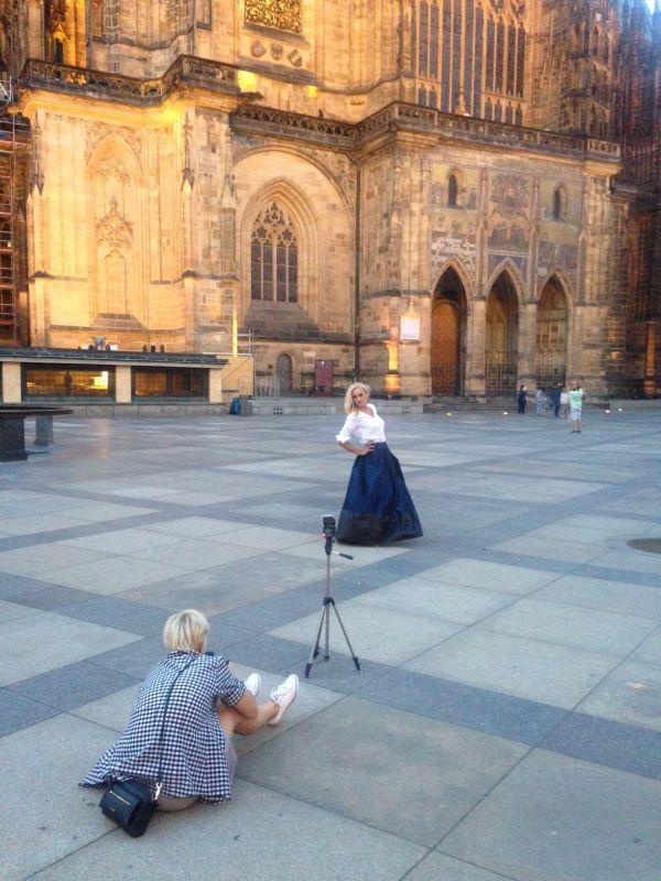 Backstage of photoshooting... Prague Summer night... Eva Plzakova... #siluetyogawear #madewithloveforyou #yoga