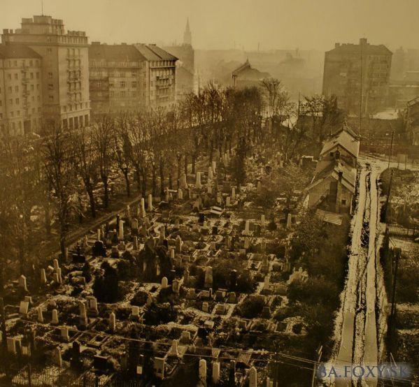 Graveyard on Račianske mýto,before demolition
