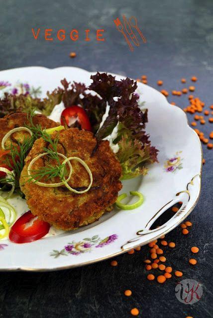 Viera´s Kitchen: Linsen-Frikadellen auf einem reisenden Teller