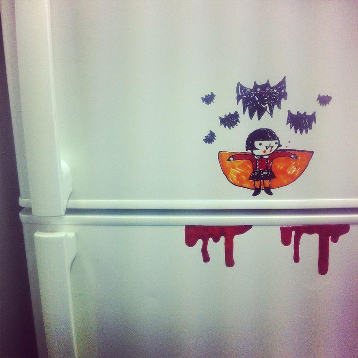 구글에서 할로운 이미지 검색하다 너무 귀여워서  그림! 그리고 냉장고에 붙임 피흘리는 냉장고 .......