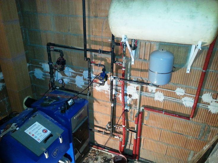 Centralne ogrzewanie Częstochowa - montaż kotła http://hydro-complex.com.pl/kotlownie/ #kotłownie #hydraulik