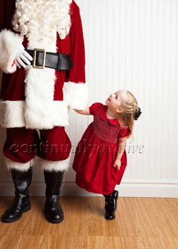 Fun ideas for photographs with Santa. Thanks Foto Fly.
