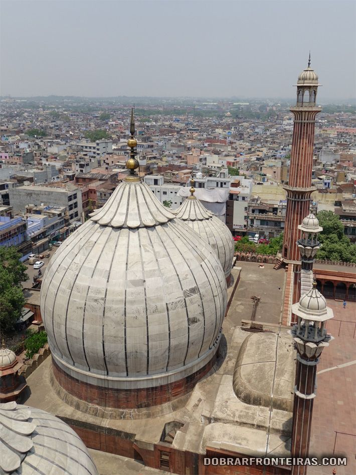 Vista do topo do minarete da mesquita de Jama Masjid