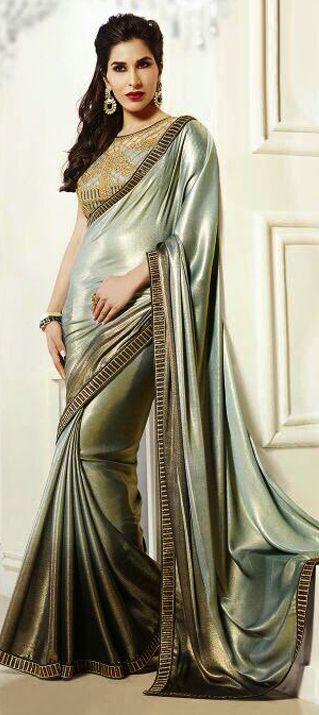 #SophieChoudry #Bollywood #getthislook #celebritystyle #saree #metallic #silver #partywear #indianwedding #indianfashion #onlineshopping