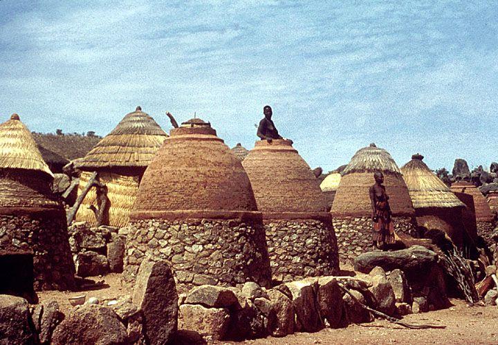 africa | granary scene in a village near mubi. nigeria | ©digital