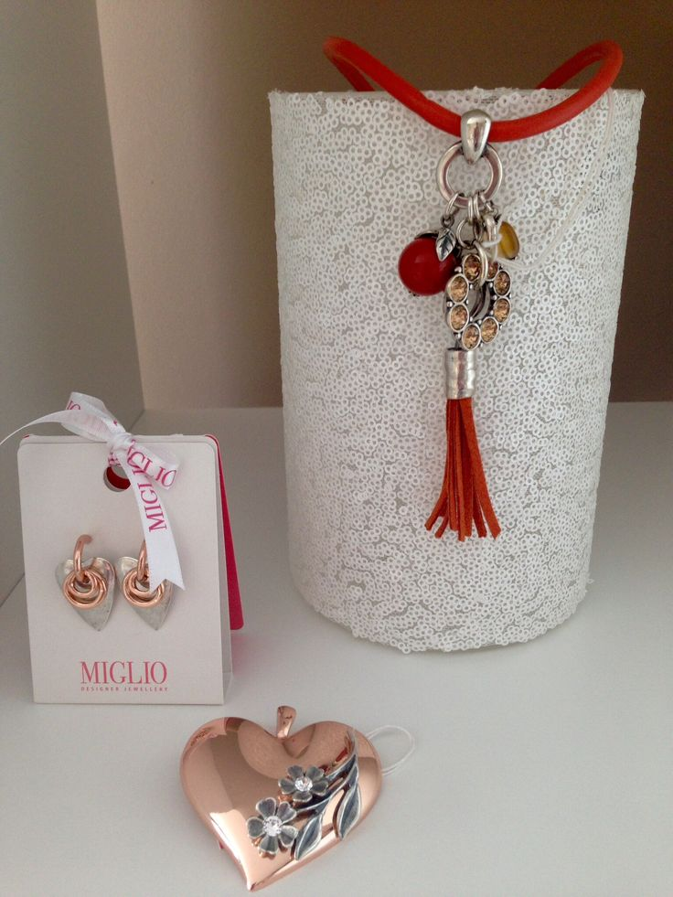 Soft rose gold from the new wild heart collection from Miglio. DM me if you have to have it!