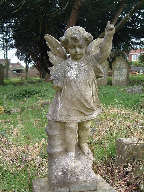 angel in cemetery