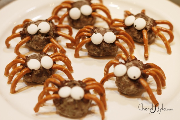 Donut hole spiders; food craft