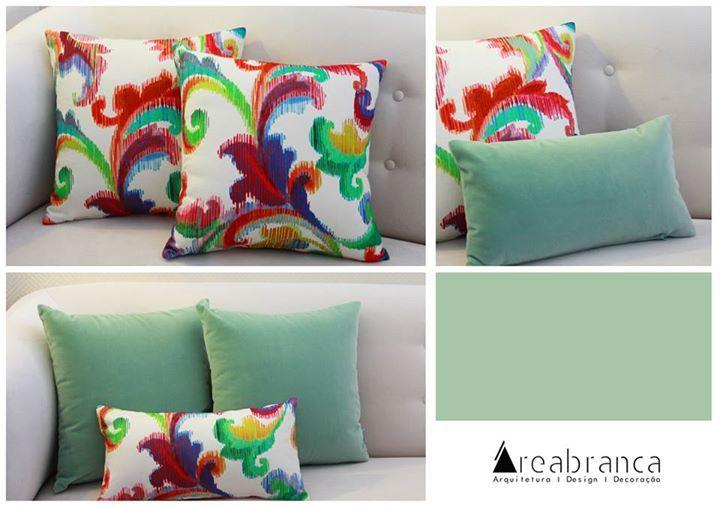 Almofada 45x45cm padrão colorido - 24,90** Almofada 45x45cm verde água - 28,40** Almofada 45x25cm padrão colorido - 19,10**  *Se preferir que enviemos por correio, + portes de envio