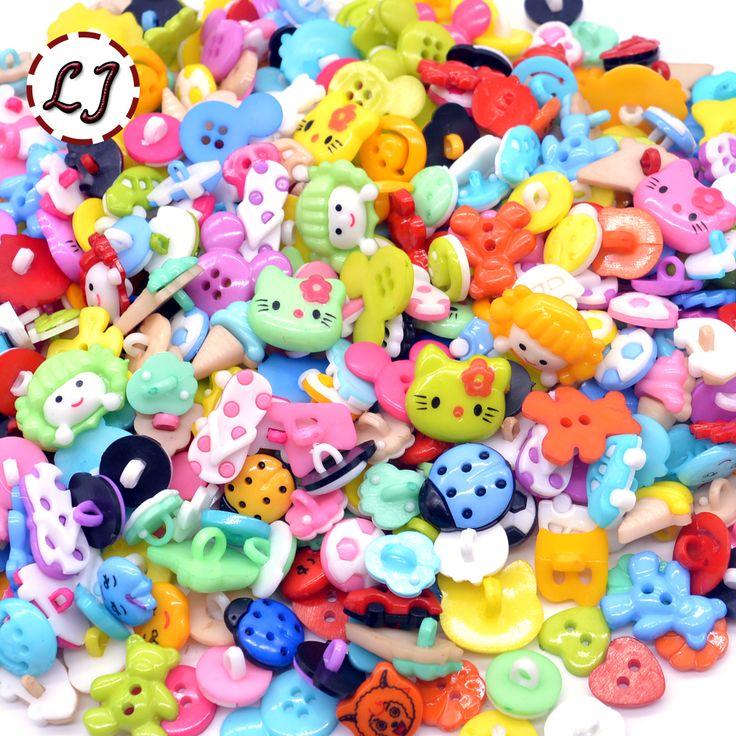 도매 50/100/200/300 개 임의의 혼합 플라스틱 버튼 바느질 버튼 의류 액세서리 공예 아이 만화 버튼