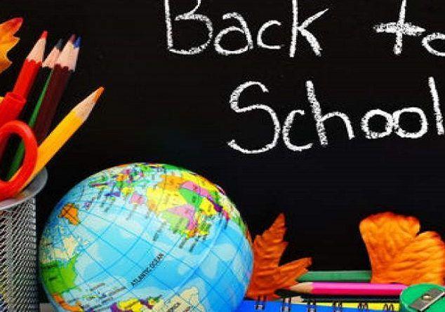 Μάθετε πότε ανοίγουν τα σχολεία και ποιες θα είναι οι επίσημες σχολικές αργίες για τη χρονιά 2017 - 2018. #σχολείο #δημοτικό #νηπιαγωγείο #επικαιρότητα