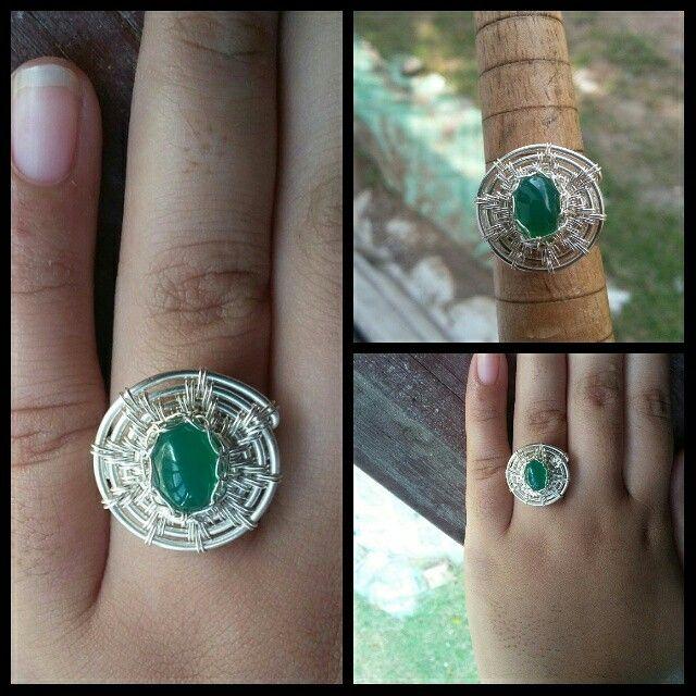 Circle ring with natural stone