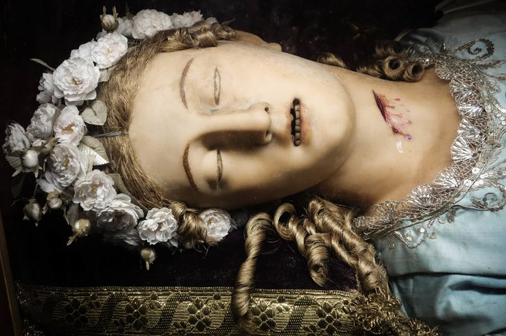 St. Victoria Photographing the Real Bodies of Incorrupt Saints | Atlas Obscura