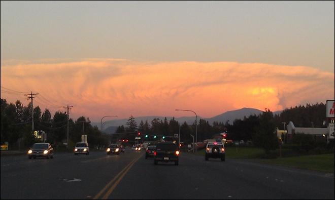 A thunderstorm towers over Central Washington on Aug. 6, 2012. (Photo courtesy Cindy Clark): Photos Courtesi