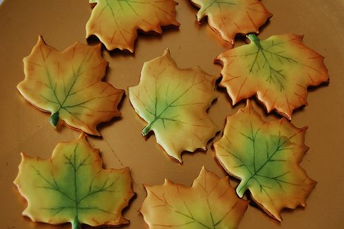 Autumn leaf cookies gingerbread