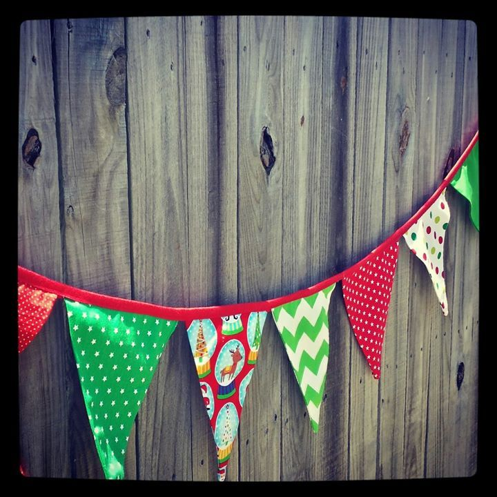 Get festive with this gorgeous Christmas bunting gezam.creations@gmail.com