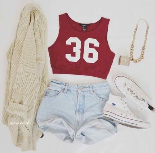 """Sporty Look: Short's; Red Sporty Top """"36""""; White Bolero; White All Stars; Gold Necklace; Gold Bracelet. Enjoy the look =]"""