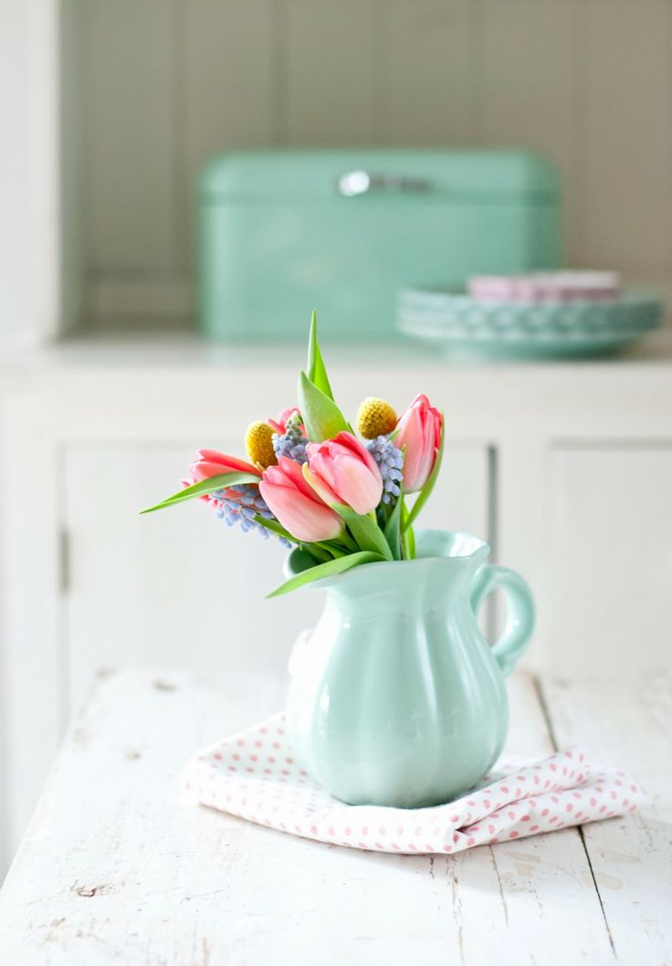 Minty House Blog : Mint pitcher with spring flowers