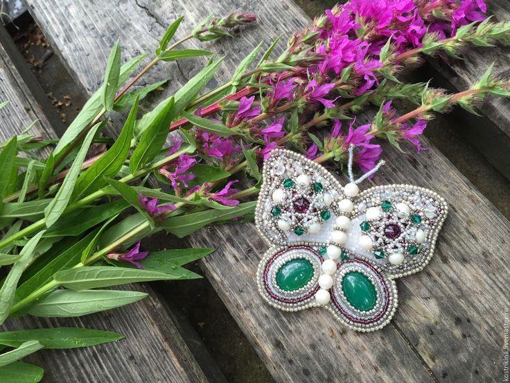 """Купить Брошь """"Butterfly"""" - бабочка, брошь из бисера, брошь бабочка, зеленый, серебряный, фиолетовый, цветы"""