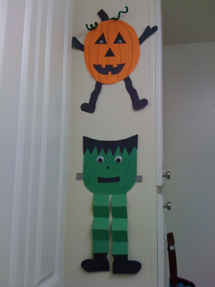 Construction paper, glue stick, pipe cleaners, google eyes and Sharpie. Precious! Halloween craft for preschool. Adorable Frankenstein and pumpkin pals. Halloween craft, Halloween crafts for kids, preschool, kids craft