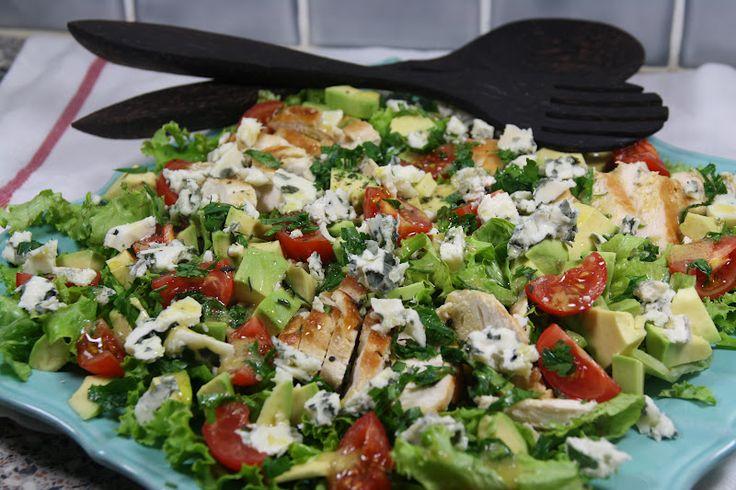 La salade Cobb est une salade très appréciée aux Etats-Unis, une salade de référence comme l'est la salade Caesar..Selon la lég...