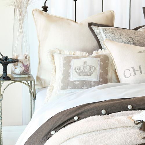 Pin By Karen Crawn On Home Decor: 1000+ Ideas About Crown Decor On Pinterest