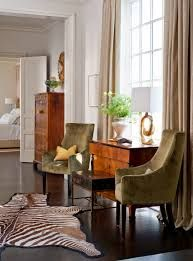 Thomas Britt is an adept at combining different styles within a space, has created interiors ranging from traditional through contemporary looks. #homedecoration #bedroomdecoration #walldecoration Click here for more inspirations
