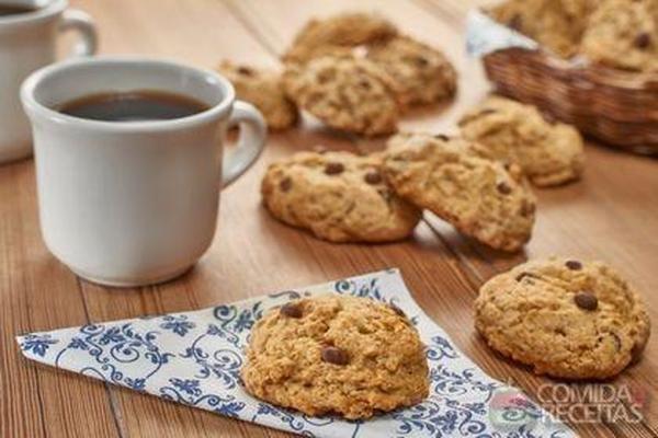 Receita de Cookie de aveia com chocolate em receitas de biscoitos e bolachas, veja essa e outras receitas aqui!