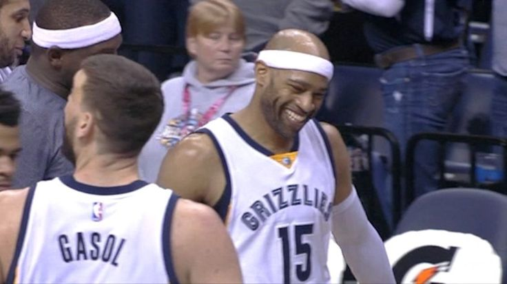 At age 40, Vince Carter had one of the best performances of his career by going perfect from the field.