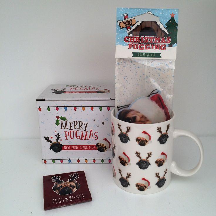 Kolekce Vánoční Mopslík obsahuje porcelánový hrnek v dárkové krabičce, osvěžovač vzduchu a nebo pilníčky. Vše s roztomilým a originálním motivem #Mopslík. #vánoce #christmas #pug #accessories #giftidweas