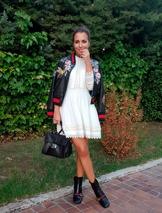 Tras la pista de Paula Echevarría » BLACK, WHITE & FLOWERS. White lace dress+black midi boots+black leather embroidered bomber jacket+black handbag. Fall Outfit 2016