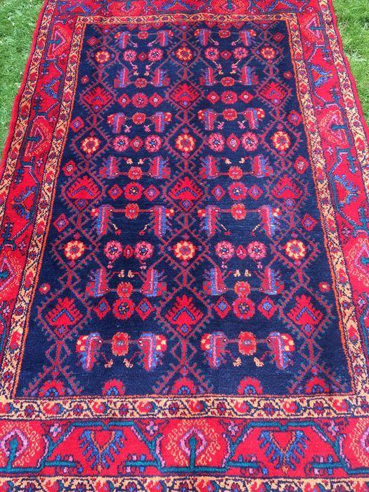 Provincie: Hamadan Gemaakt in Iran Highland wol uit 1960 Ongeveer 150.000 knopen per vierkante meter Afmetingen van het tapijt: 223 x 144 cm  Met 100 procent natuurlijke plantaardige kleurstof.  In zeer goede staat, zoals te zien in de foto's.  Aangetekende en verzekerde verzending.