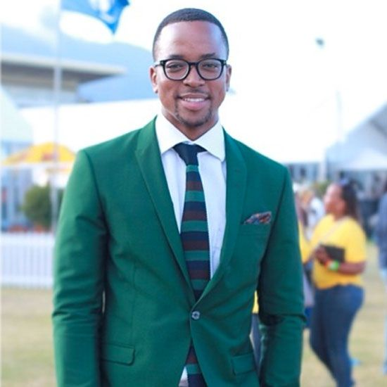 maps maponyane in suit