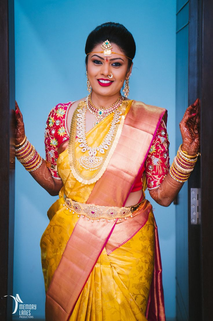 Marathi Bride in Yellow and Red Kasta Saree