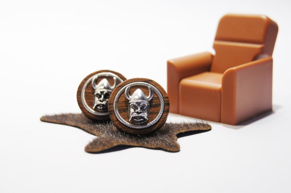 Wood and Metal Norse Viking Cuff Links.  1960s cufflinks.   $20.00  https://www.etsy.com/uk/listing/123913939/vintage-viking-norse-cufflinks-1960s?ref=shop_home_feat