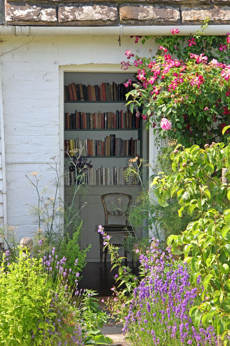 Virginia Woolf's bedroom | as seen from the garden at Monk's… | Flickr - Photo Sharing!