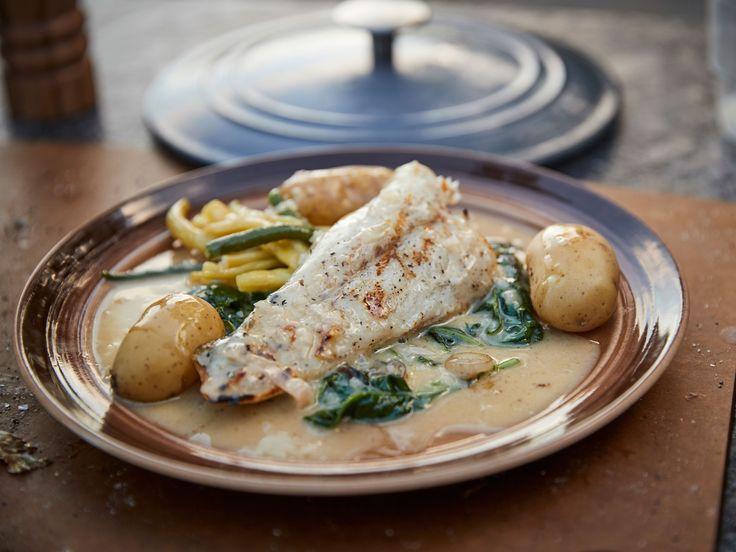 Grillad gös med spenat och beurre blanc | Recept från Köket.se
