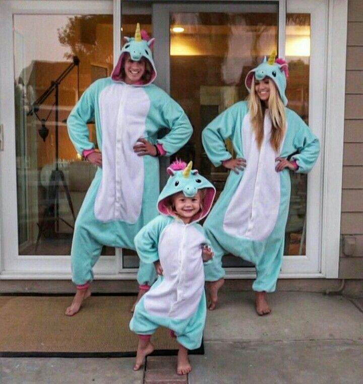Onesies!!!!!!!!!!!!! Gotta love Cole, Sav and Everleigh - congratulations on your engagement Cole and Sav!