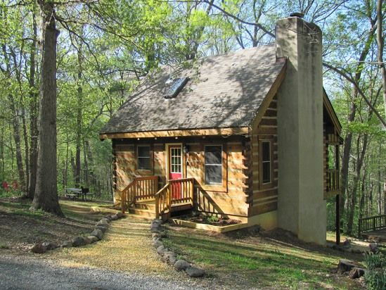 2 Bedroom Cabin Rental in Luray, Virginia, USA - Falling Leaf Cabin - Secluded With Beautiful Mountain View