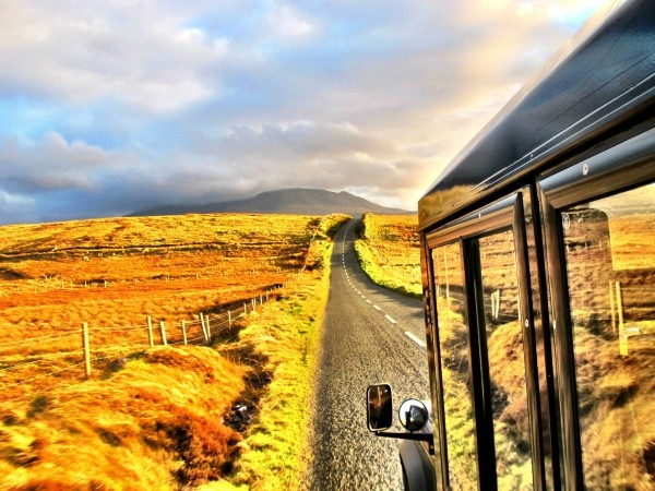 Heading West along the Southern Shore of Clew, through the Doolough Valley into the mountains.Ireland Adventure, Favorite Places, Shay Ireland, Beautiful Places, Inspiration Photography, Places I D, Ireland Trips, Photos Fabulous, Ireland Vacations