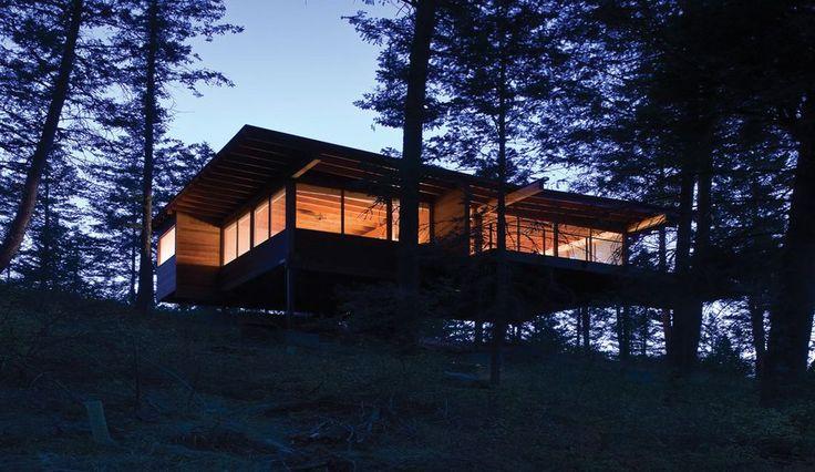 Charmante maison bois sur pilotis bordant le lac Flathead dans le Montana, Une-Cabin-Flathead-Lake-par-Anderson-Wise-Architects #construiretendance