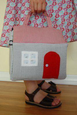 Fabric dollhouse tutorial. so cute. @Christina Childress Love